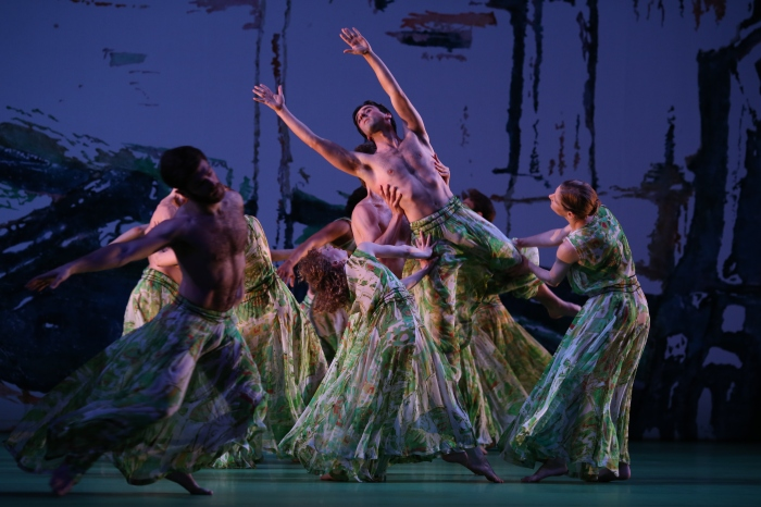 Members of the Mark Morris Dance Group. Photo by Ken Friedman, courtesy of MMDG